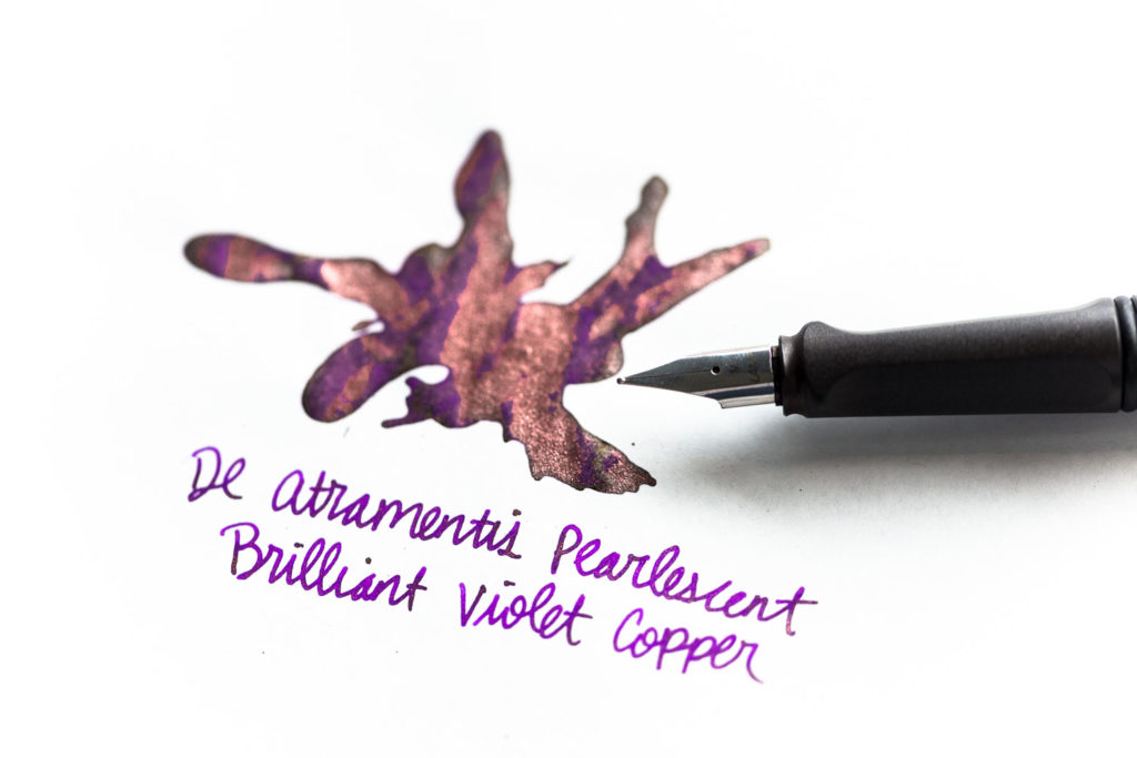A review of De Atramentis Pearlescent Velvet Black-Copper