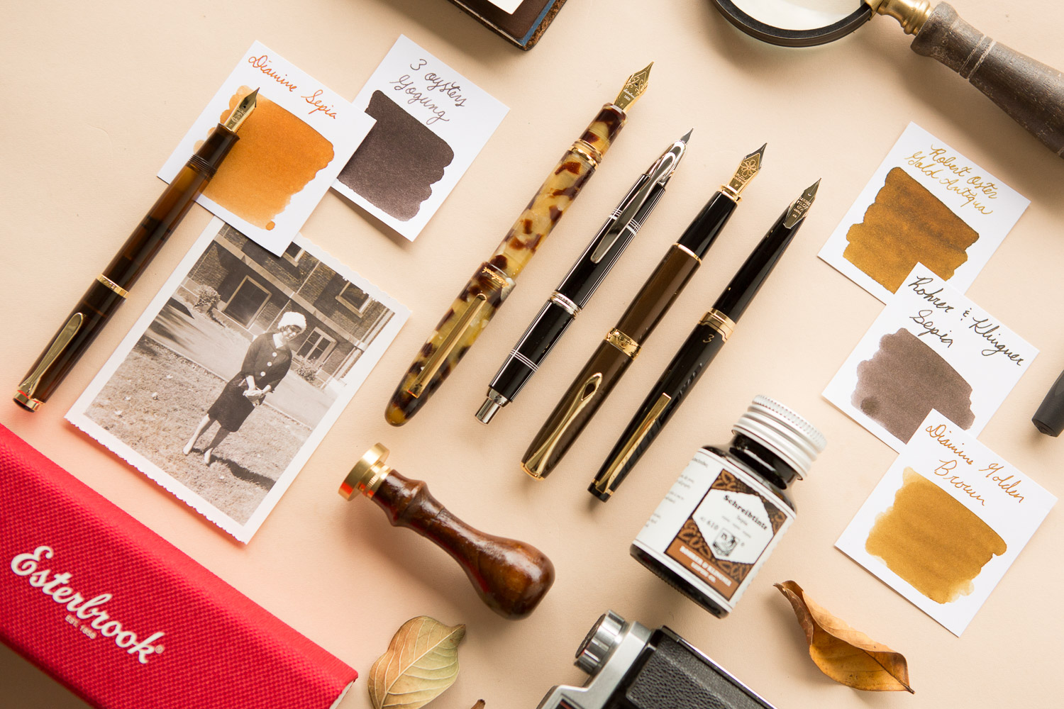 Retro, vintage style fountain pens and ink.